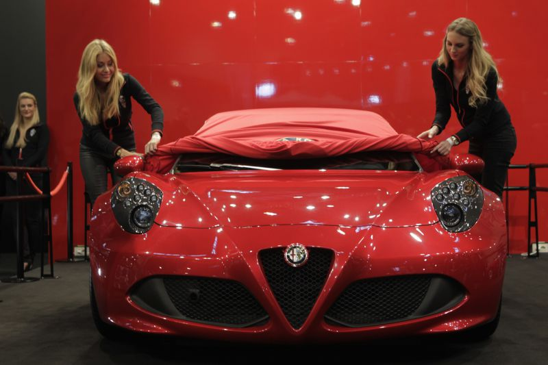 german debute of the 4c at techno classica essen alfa romeo in museums. Black Bedroom Furniture Sets. Home Design Ideas